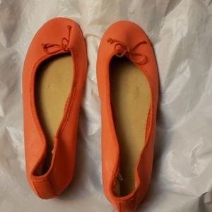 OLD NAVY ORANGE FLAT SHOES SIZE 7